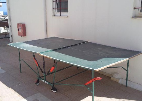broken ping pong tabletop